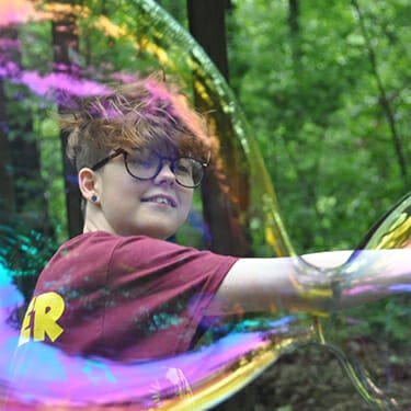Activity Period Science At Camp - Giant bubbles chemistry - Cub Creek Science and Animal Camp