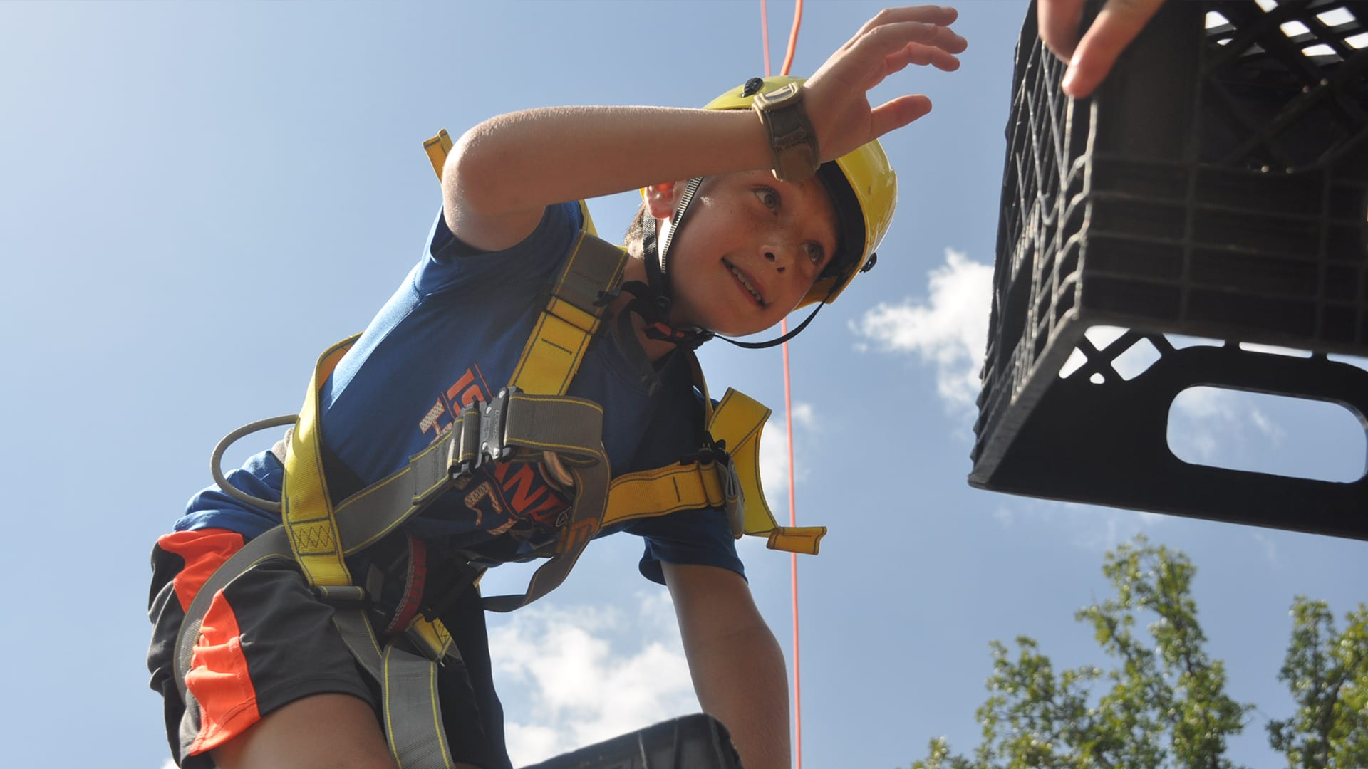 Home Page Image Carousel - Adventure Camp - Camper Crate stacking on the ropes course - Cub Creek Science and Animal Camp
