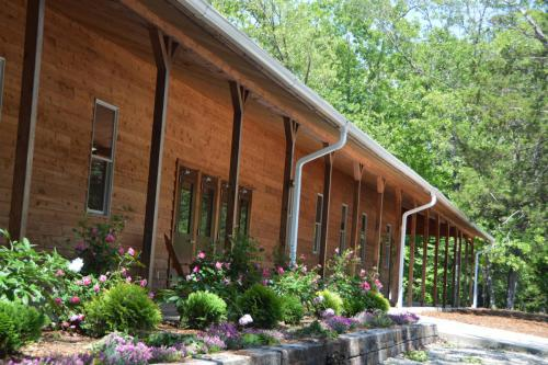 Outside Dining Hall - Cub Creek Science and Animal Camp