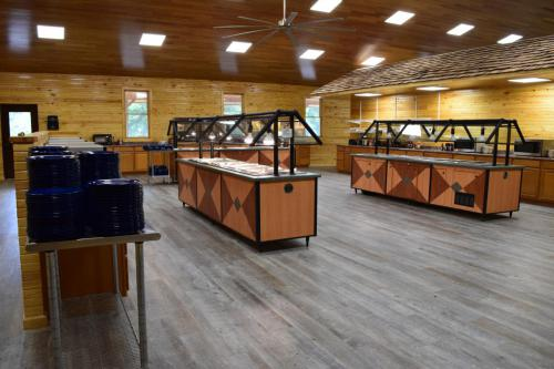 Dining Hall Buffet - Cub Creek Science and Animal Camp