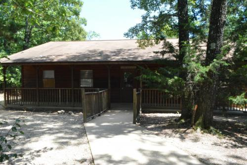 Cabin Exteriors - Cub Creek Science and Animal Camp